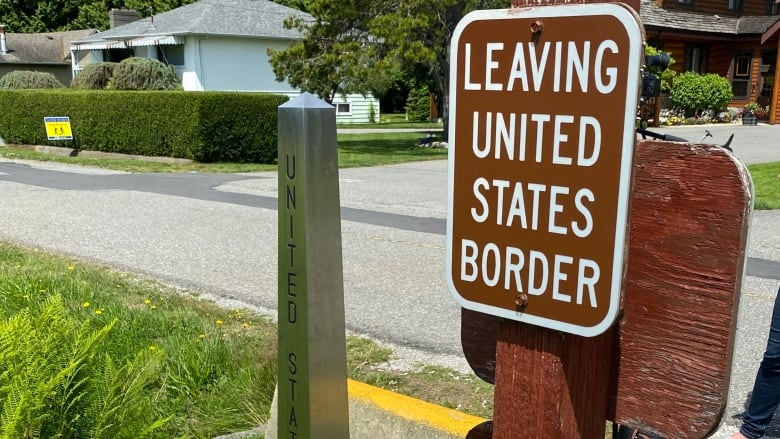 "sign says ""Leaving United States Border"
