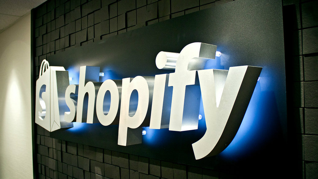 Is Shopify Inc. (TSX:SHOP) stock a buy after a 40% surge?